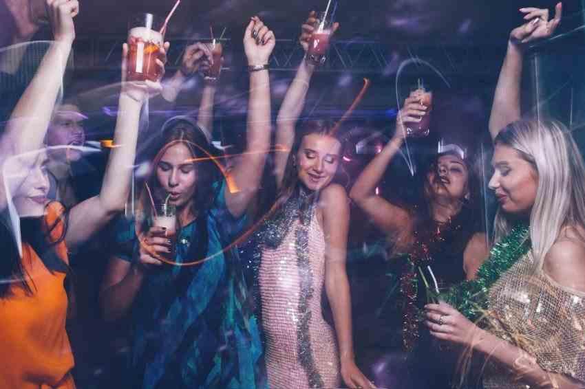 Giới trẻ luôn phổ biến trong buổi tiệc đêm